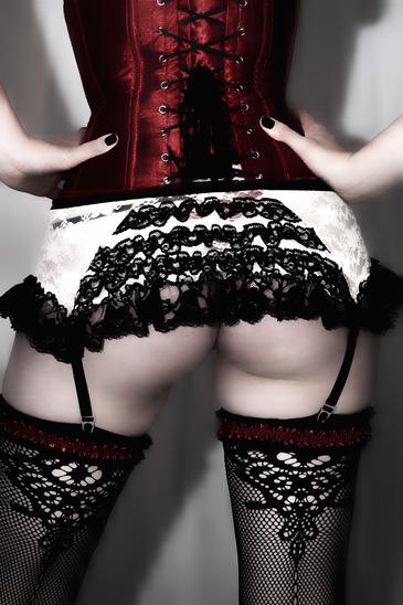 Erotische Burlesque Tänzerin buchen